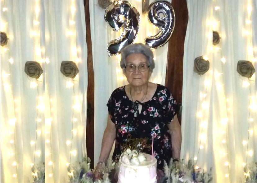Alicia cumplió 99 años. No toma, tan siquiera, una aspirina