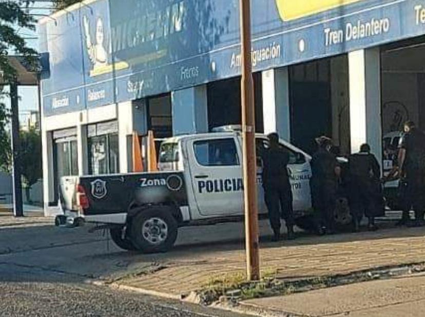 El móvil policial que habría perseguido  al motociclista, está bajo resguardo municipal y con cámara de seguridad