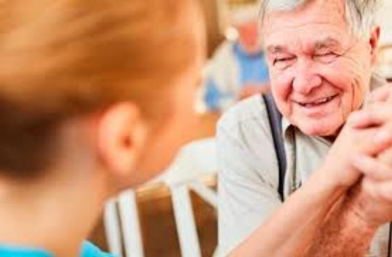 Suspenden acto de apertura de curso de capacitación para cuidadores domiciliarios