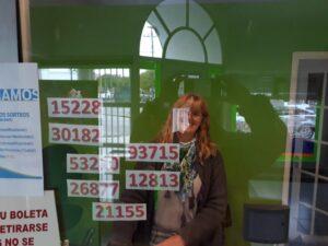 """En """"La Casa de Laurita"""" está la suerte: los premios de la Lotería fueron para clientes habituales"""