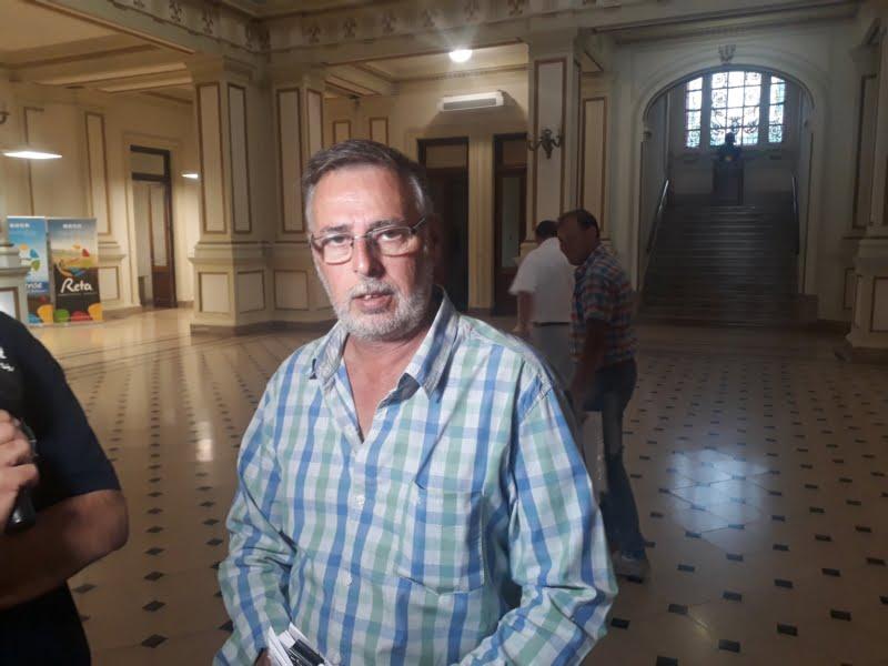 La fiesta que no fue: desde el salón de la calle Tucumán pidieron disculpas y el Municipio aclara que salieron 8 personas