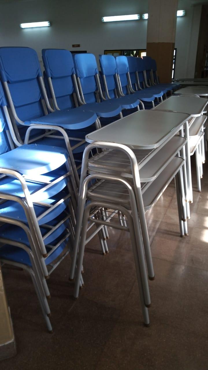 San Cayetano: Consejo Escolar entrega de mobiliario