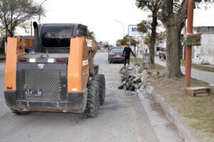 San Cayetano: reparación de cordones en Avenida Apezteguía