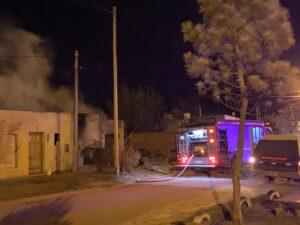 Entraron a robar a una casa y la prendieron fuego