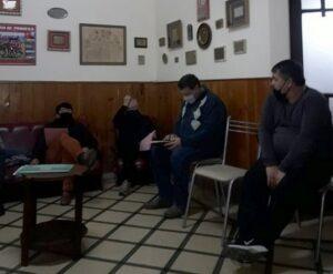 Fútbol: el Oficial comenzará con o sin presencia de público