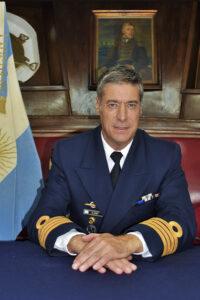 El Intendente dialogó con el Comandante de la Fragata Libertad