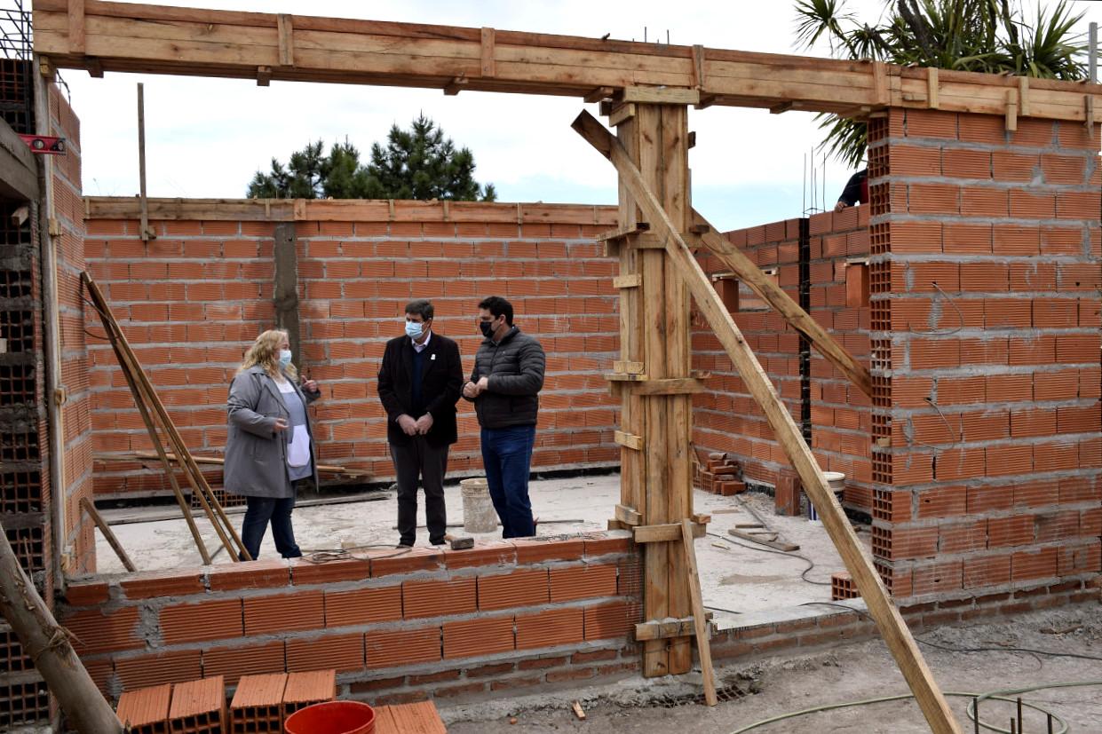 San Cayetano: Gargaglione recorrió las ampliaciones de los jardines