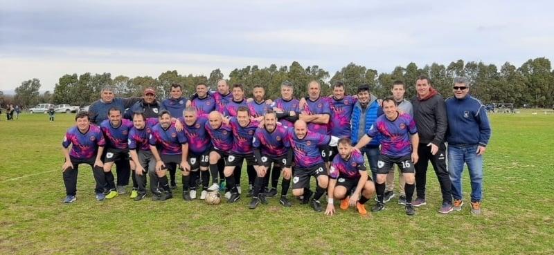 """""""Los Amigos"""" campeones del Apertura de la Liga de Veteranos"""
