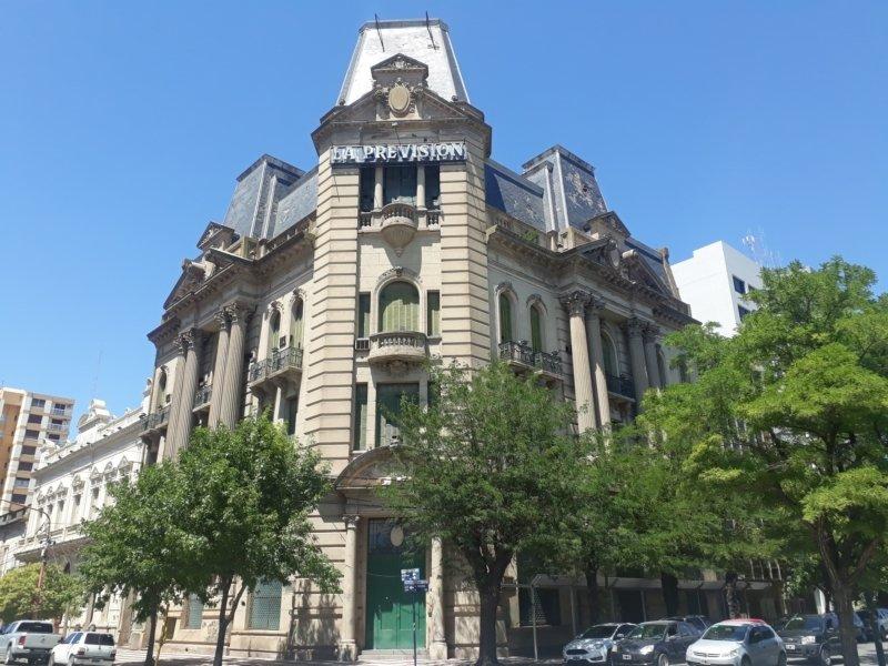 """Roberto Fabiano, miembro de una familia fundadora de La Previsión: """"merecemos que el edificio se restaure y se use"""""""