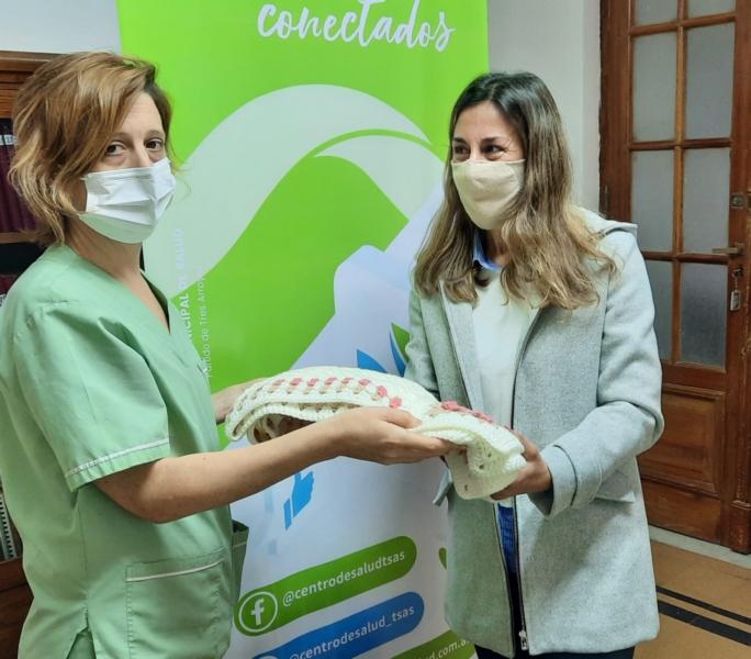 El Centro Municipal de Salud agradece donación de mantas para el Servicio de Neonatología