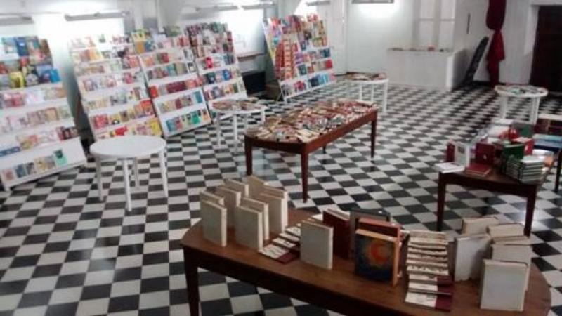 Durante todo el mes Feria del libro usado en la Sarmiento