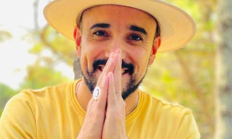 """""""Espejo"""" es el nuevo videoclip de Abel Pintos"""