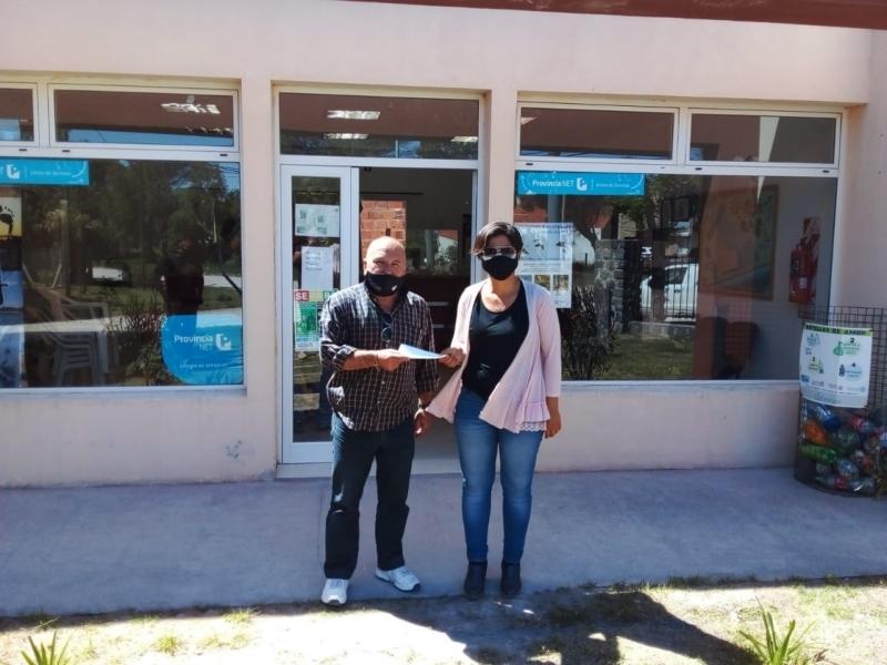 El municipio colabora para que alumnos de Reta visiten la muestra de Carreras Universitarias