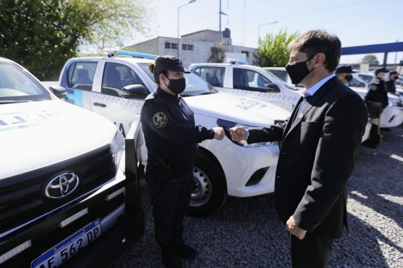 Policía Bonaerense:  Kicillof anunció aumento salarial