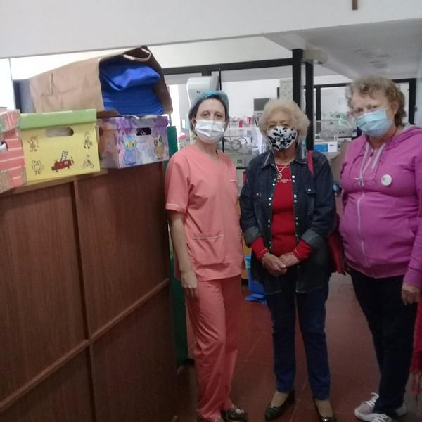 La Rueda Interna de Rotary Tres Arroyos entrega ropa en neonatología
